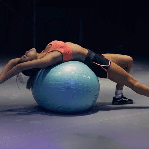 alongamento-com-bola-de-pilates